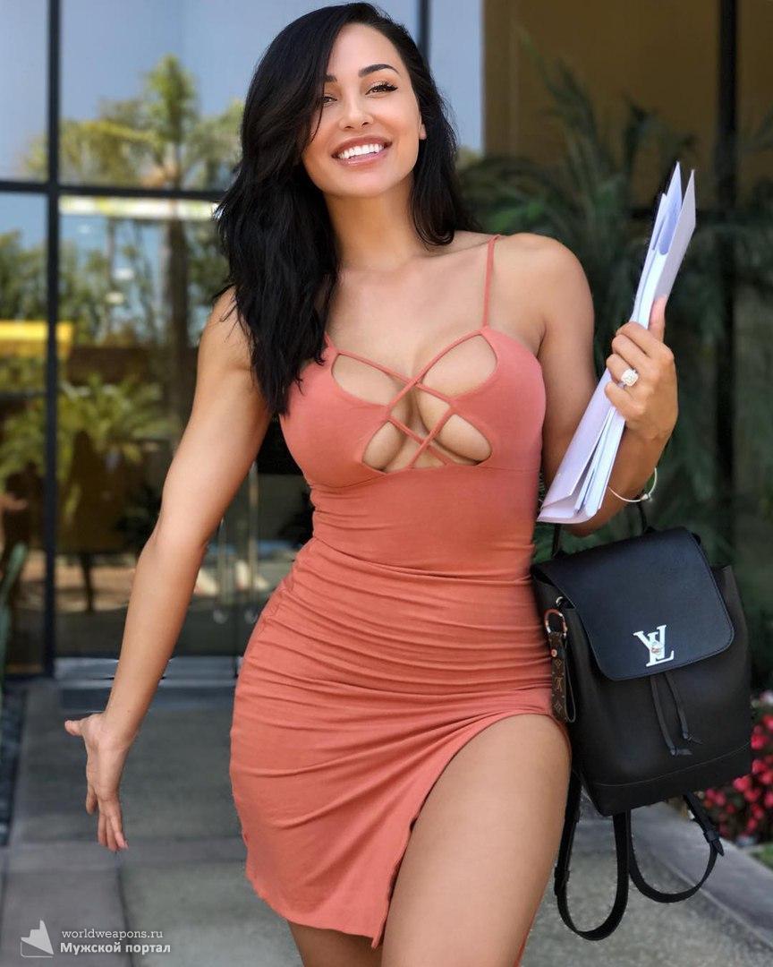 Обалденно красивая Ana Cheri. Шикарная фигура.
